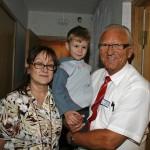 Styrer Elena og Jostein Mulelid sammen med en av godguttene på Life